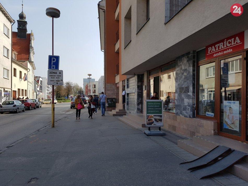 2387fd285f91 Paulínska v rekonštrukcii  Rozbitý asfaltový chodník nahradí dlažba ...